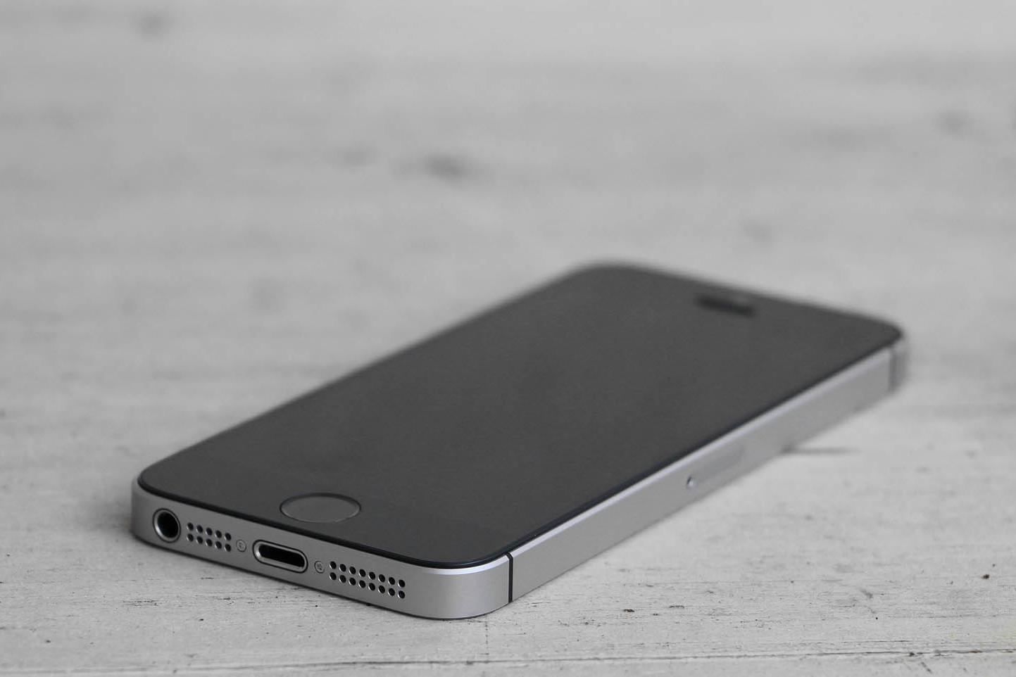 Il nuovo iPhone low cost sarebbe l'evoluzione dell'iPhone SE