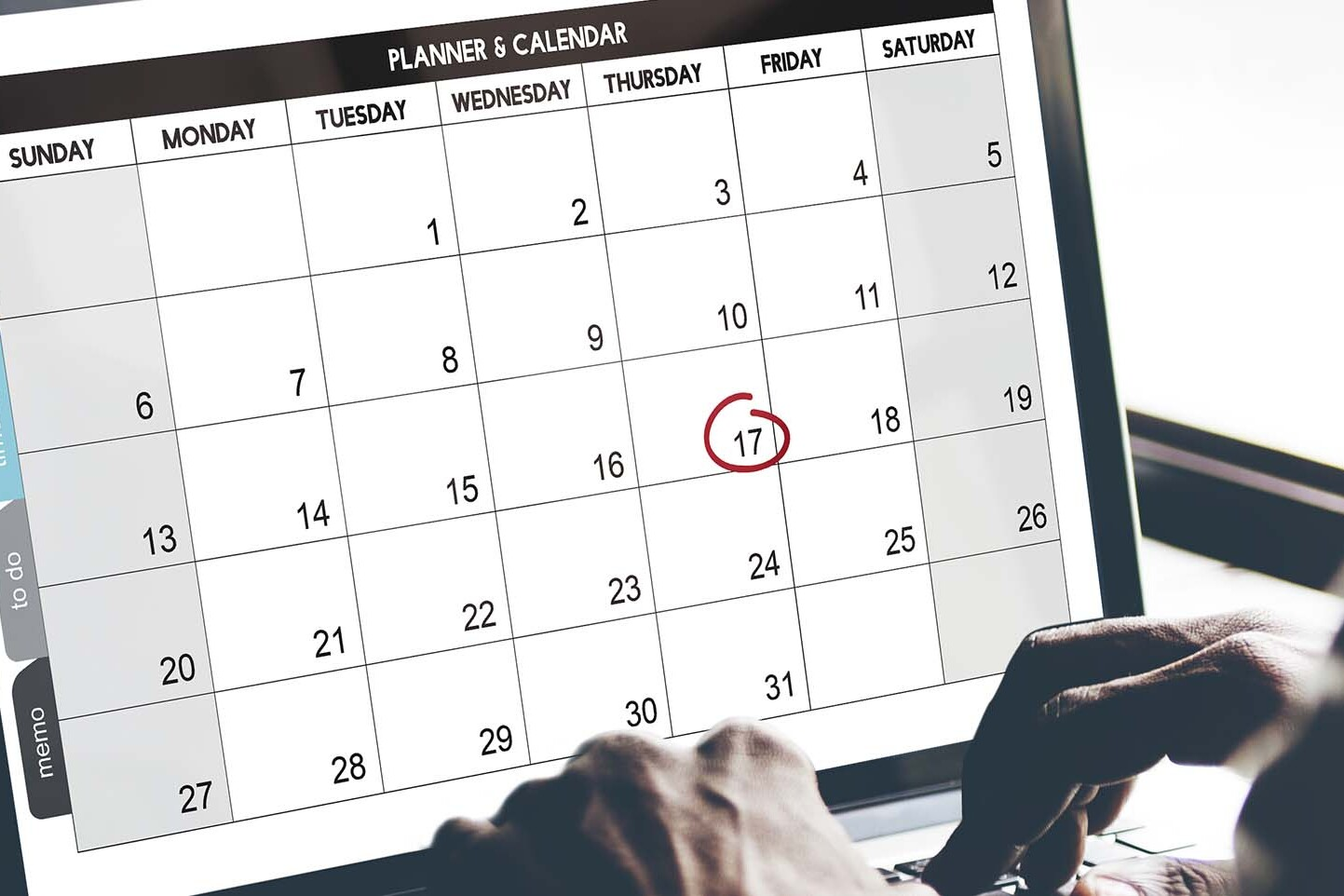 Il calendario condiviso online può essere gestito da pc, tablet e smartphone e può essere condiviso con i collaboratori dell'azienda e anche con i clienti.